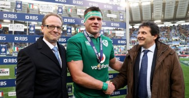 RBS 6 Nations Championship Round 2, Stadio Olimpico, Rome, Italy 11/2/2017 Italy vs Ireland Ireland's CJ Stander receives the RBS Man of the Match award from RBS prize winner Umberto Vallarino and Peter Ryan-Bell of RBS  Mandatory Credit ©INPHO/Dan Sheridan