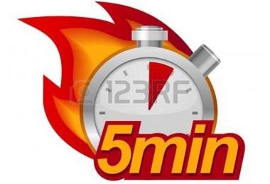 20472335-cinque-minuti-del-timer-con-il-fuoco-su-sfondo